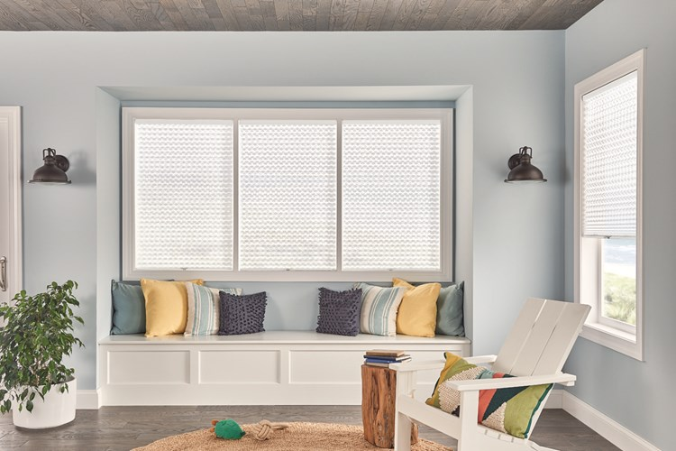 "1"" Pleated Shades with Cordless Lift: Innocence, White Pearl 4162"